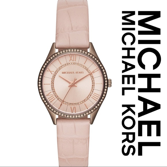 ed3f72c3f118 Last one🎉Michael Kors-Crystal Accented Leather